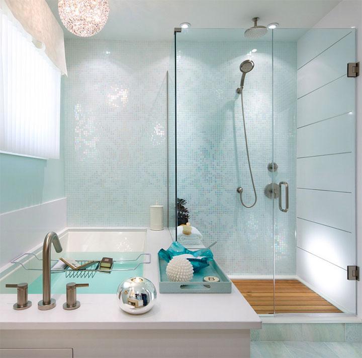 Cuartos de baño en color turquesa suave