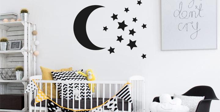 Dormitorio para bebé en blanco y negro con amarillo
