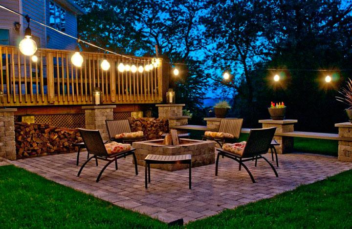 Guirnaldas de luces para decorar el jardín