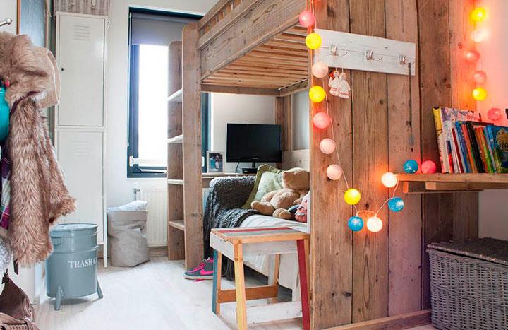 Tiras de bombillas de colores para el dormitorio de los niños