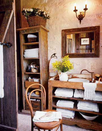 Baños rústicos antiguos de madera maciza