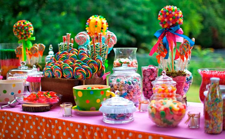 Mesa de dulces para celebraciones y fiestas