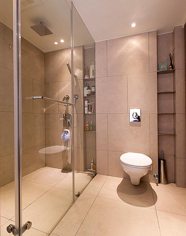 Cuartos de baño pequeños con mamparas transparentes