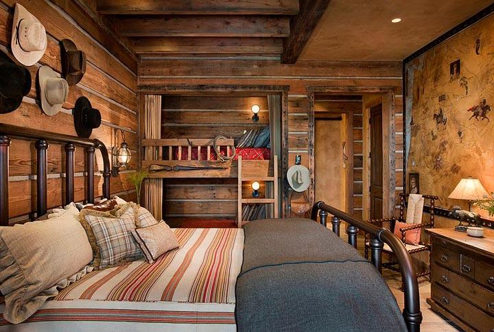 Habitación rústica de madera y metal forjado