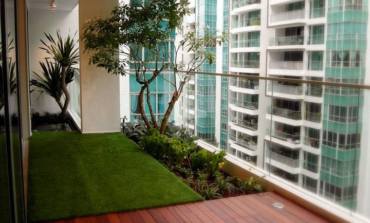 Jardines en balcones modernos urbanos