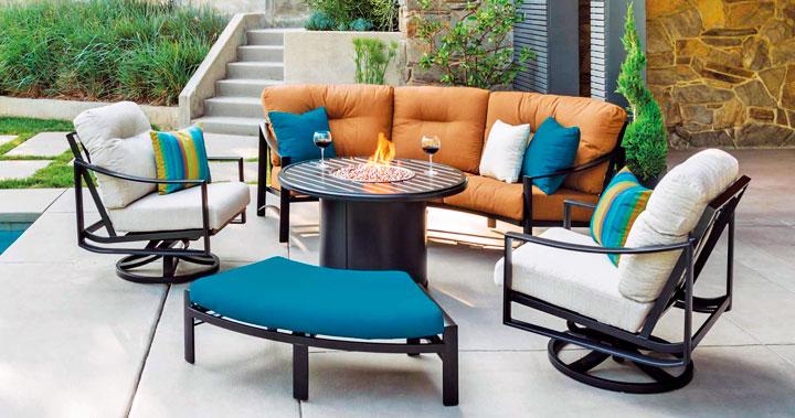 Mesas y sills de exterior para decorar el jardín