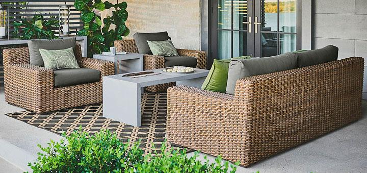 Muebles de exterior que no pueden faltar en el jardín