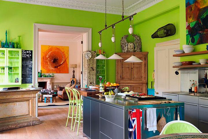 Cocinas de estilo ecléctico color verde
