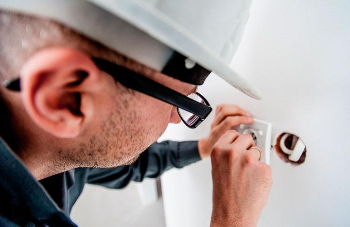 Cómo buscar un buen profesional de reparaciones para casa