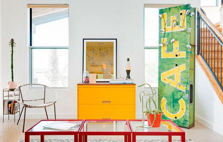 salones de decoración ecléctica colorida