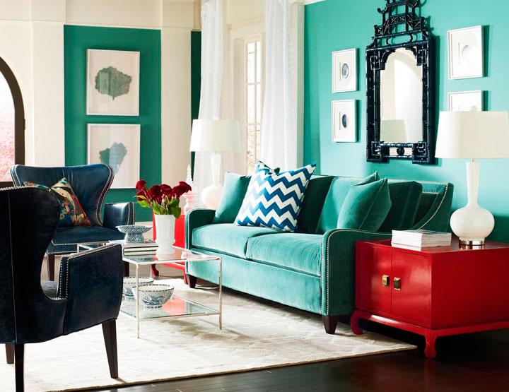 Colores que combinan con el verde en parede y rojo en decoración