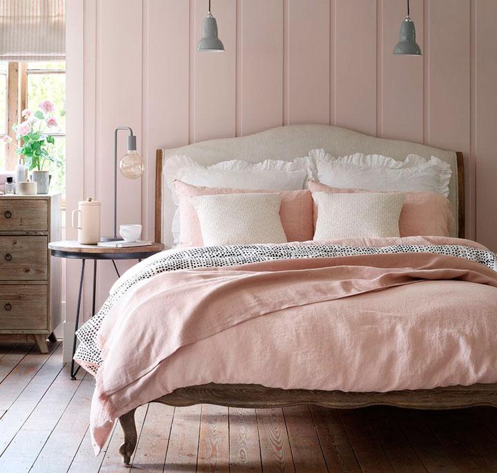 Colores que quedan bien con el marrón y rosa en el dormitorio