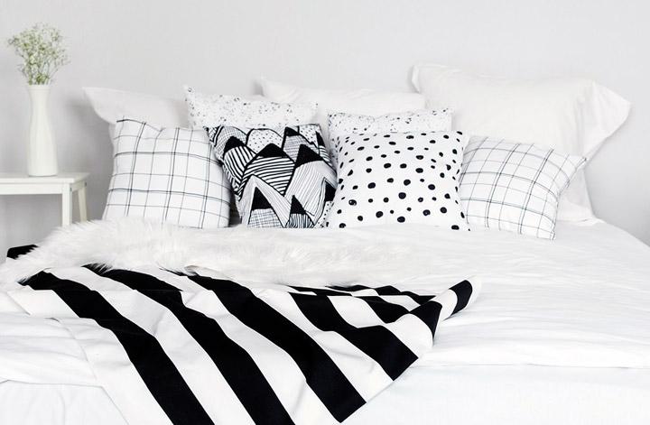 Ropa de cama y cojines blanco y negro para decorar