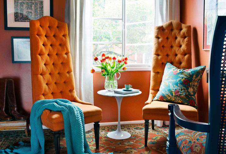 Combinar el naranja y el azul en decoración