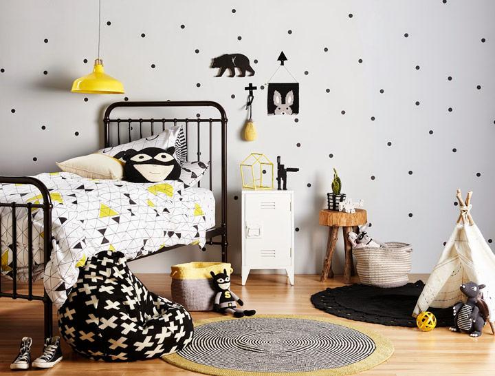 Decorar dormitorio infantil en blanco y negro