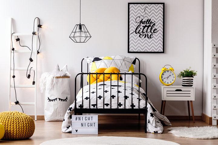 Decorar dormitorio en blanco y negro con amarillo