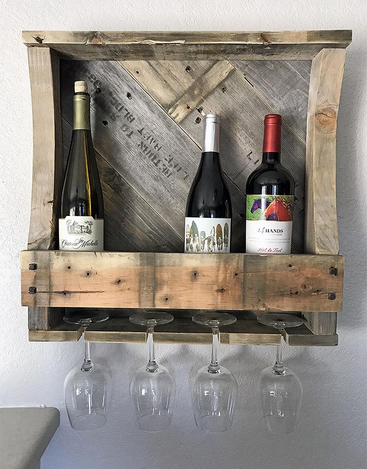 Botelleros con palets de madera
