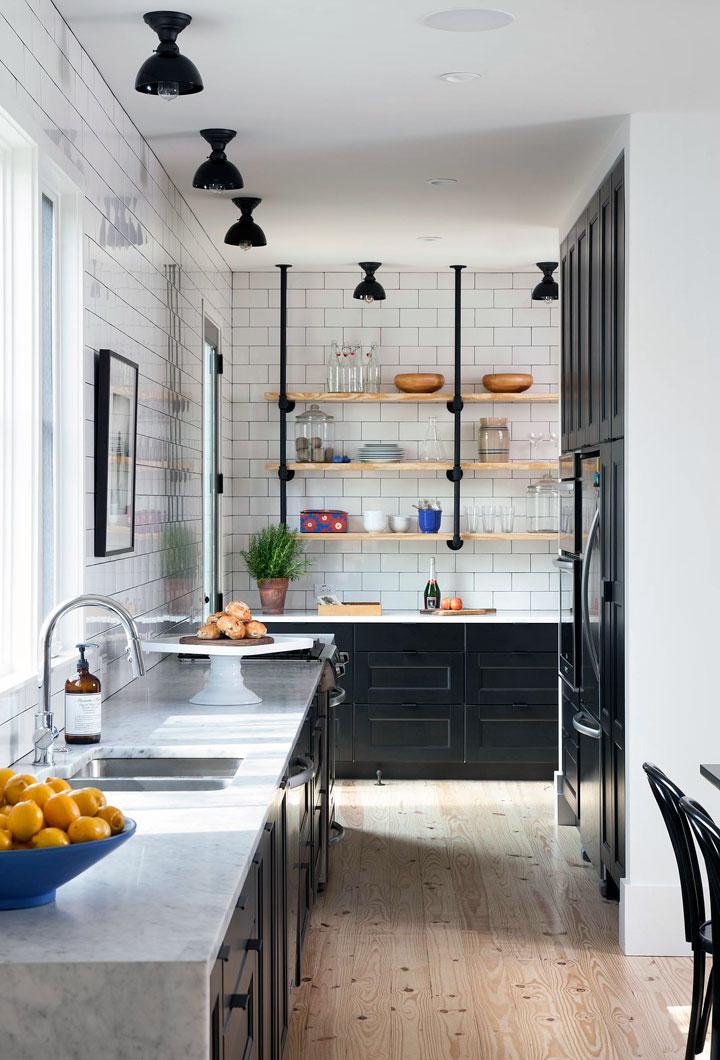 Decorar cocinas pequeñas en blanco y negro