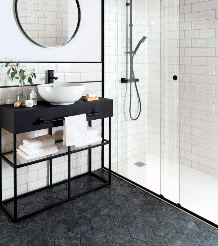 Baños blanco y negro con plato de ducha integrado