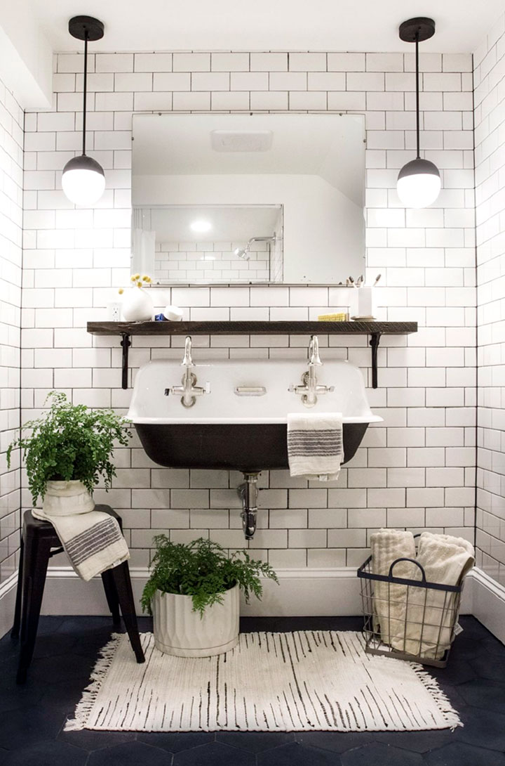 Baños blanco y negro vintage