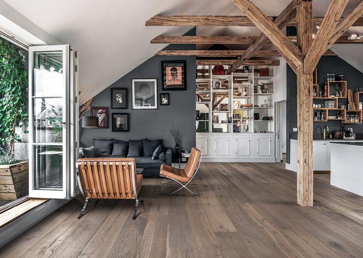 Decoración en gris y madera