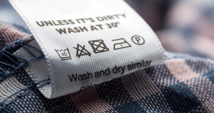 Etiqueta con los símbolos de lavado de la ropa