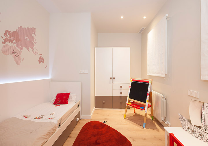 Dormitorio infantil reformado en Poblenou