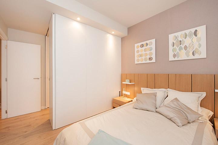 Reforma del dormitorio principal en el piso de Poblenou