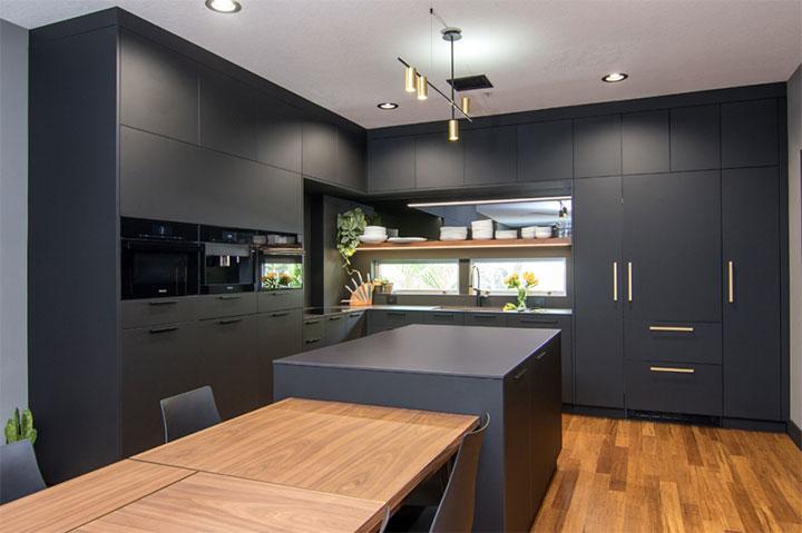 Diseño de cocinas con colores refinados