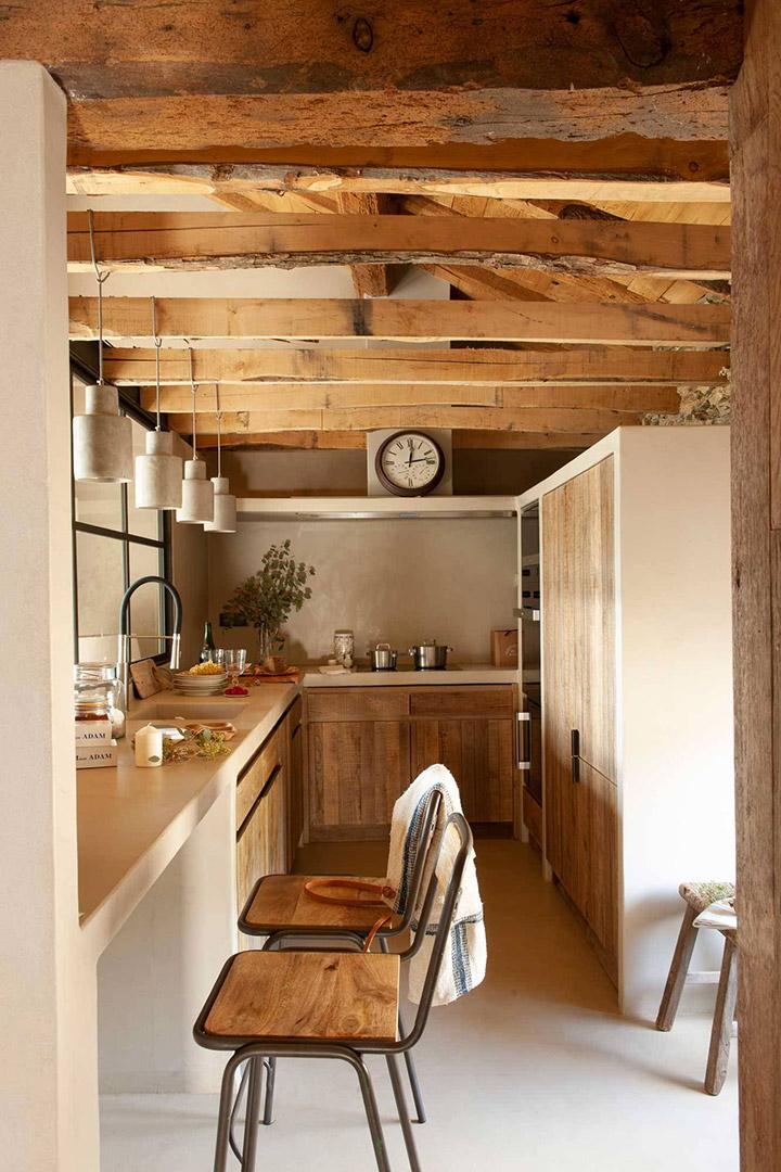 Cocinas modernas alargadas de estilo rústico
