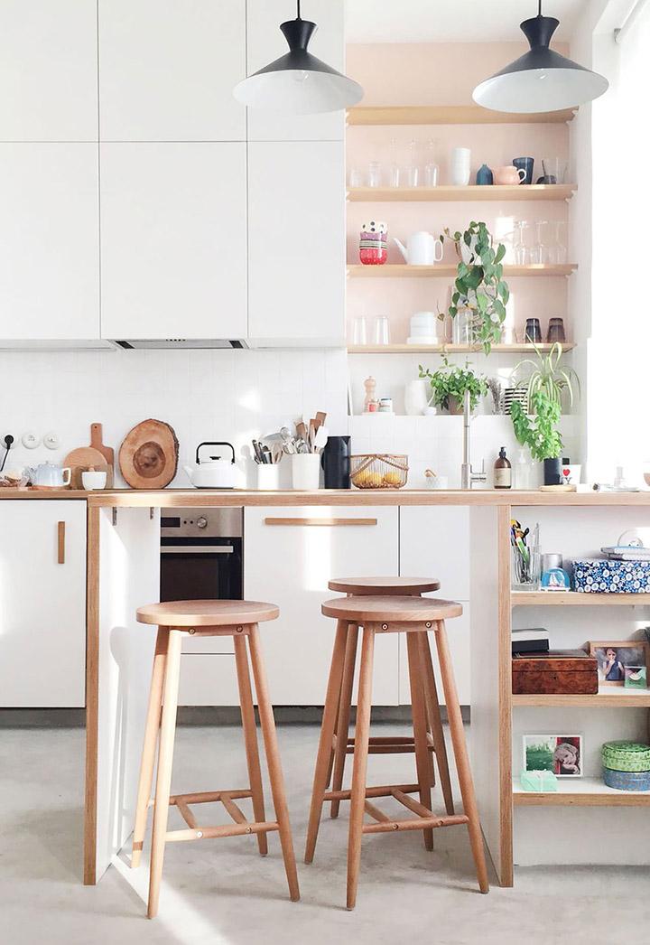 Cocinas de diseño pequeñas con península de madera